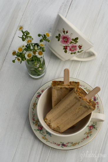 Creamy Earl Grey, Cardamom, and Pistachio Popsicles 3