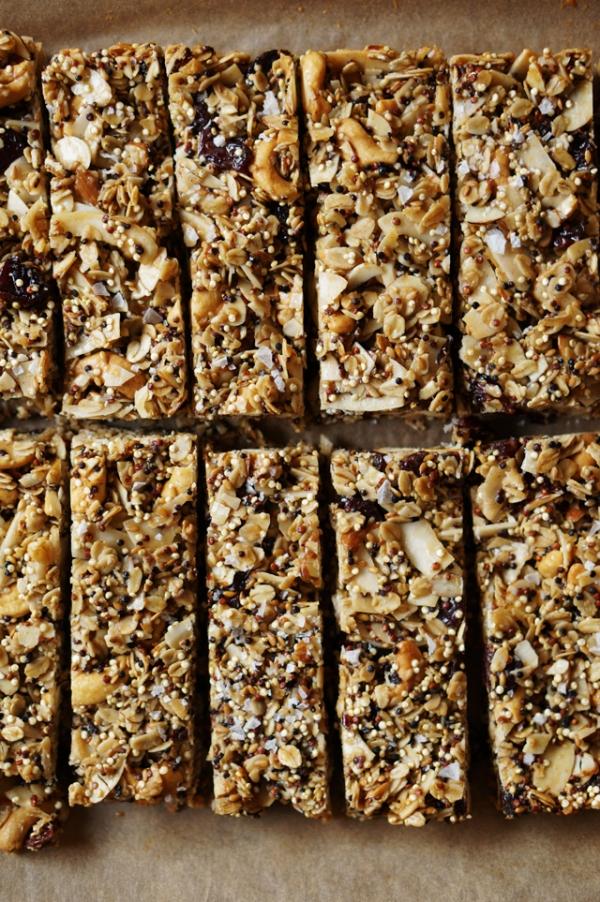 Quinoa-Trail-Mix-Bars