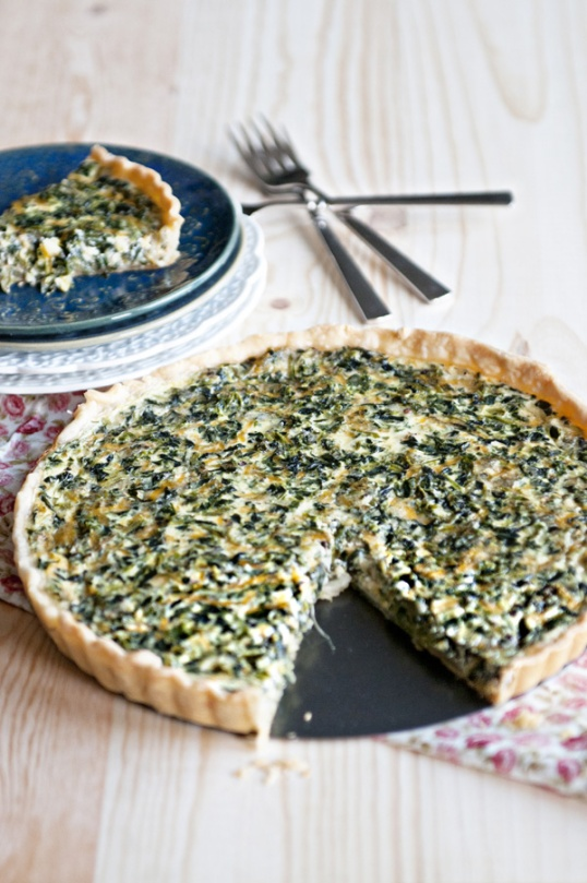 simple-spinach-quiche-whole