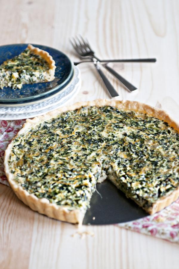 simple-spinach-quiche-whole