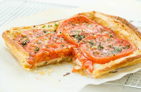 tomato-mozzarella-tart-23-600