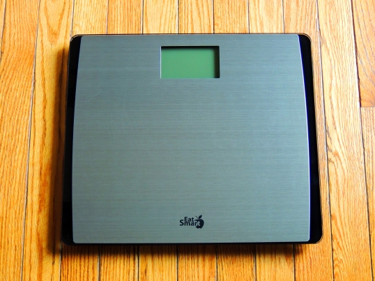 EatSmart-Precision-Bathroom-Scale-550lbs