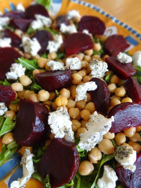 Beet ad chickpea salad