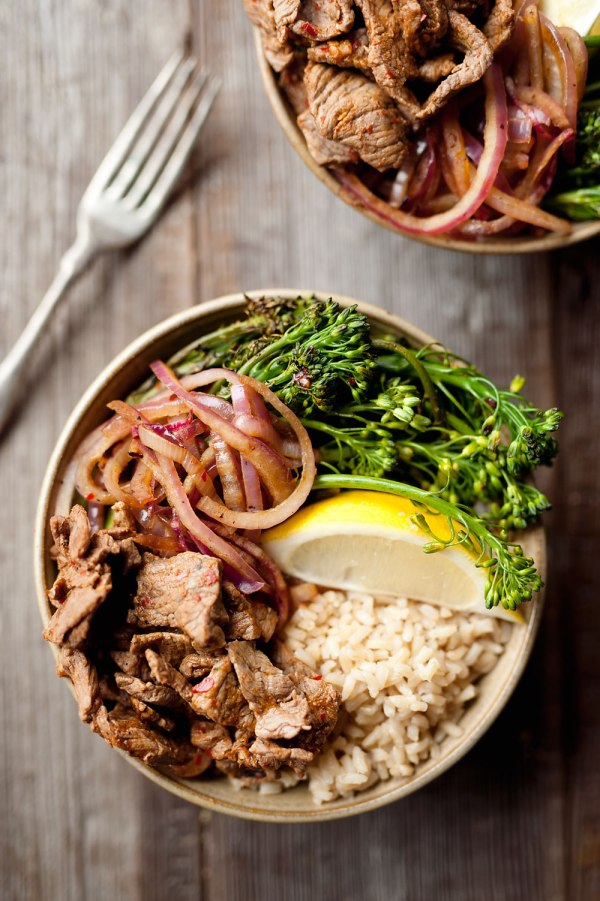 10-minute-beef-broccolini-bowls-the-creative-bite-2-copy