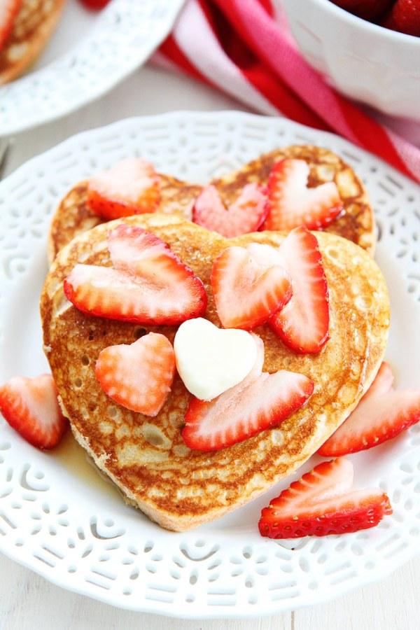 heart-pancakes-12