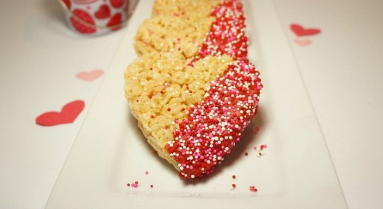 how-to-make-chocolate-dipped-rice-krispies-treat-hearts-the-perfect-valentines-day-treats