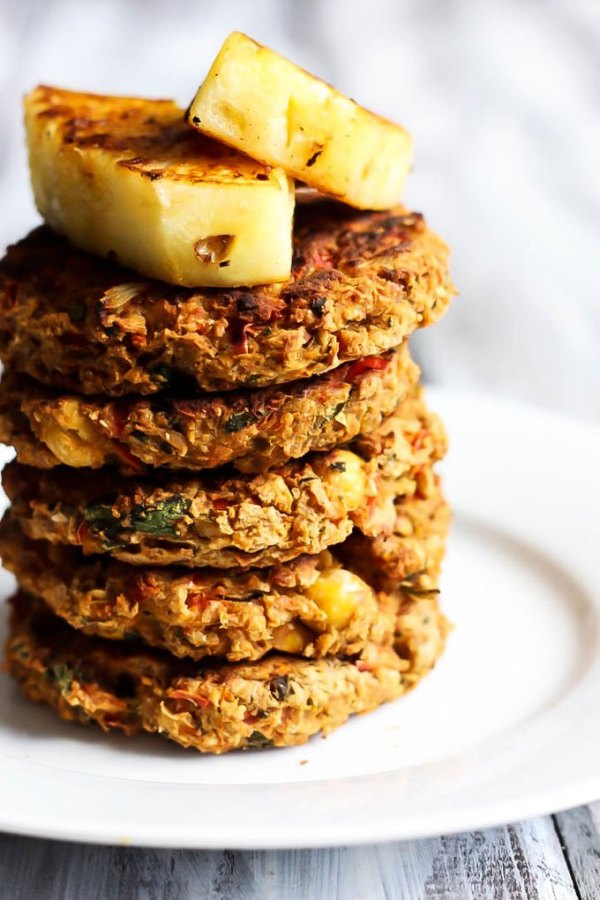 hawaiian_chickpea_veggie_burgers_2