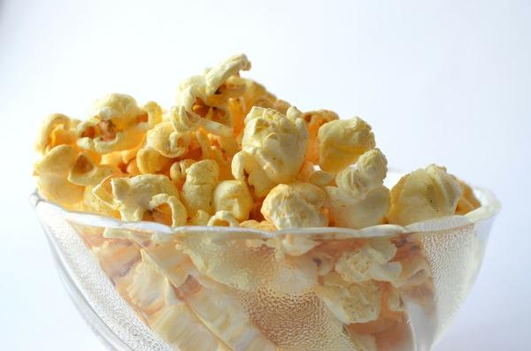 Healthy-snack-ideas-MovieNight-popcorn