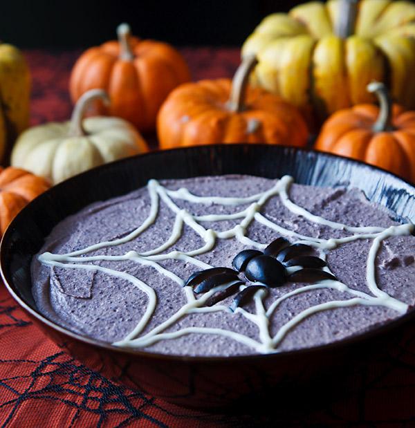 spooky-black-bean-hummus-600