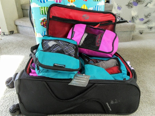 travelwise-packingcubes-suitcase-momknowsbest