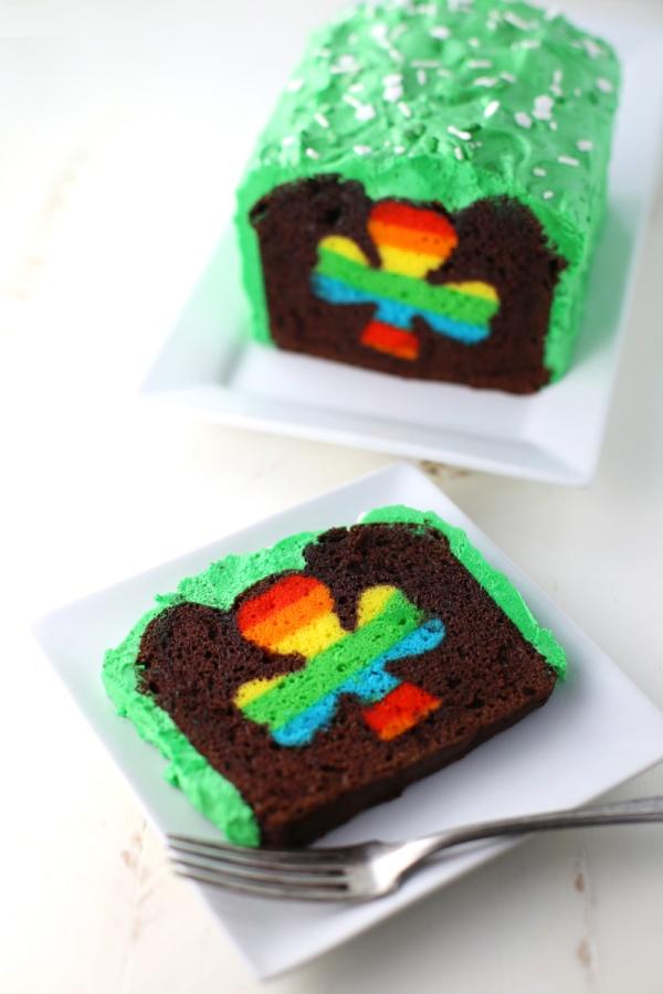 Peek-A-Boo-St-Patricks-Cake-5