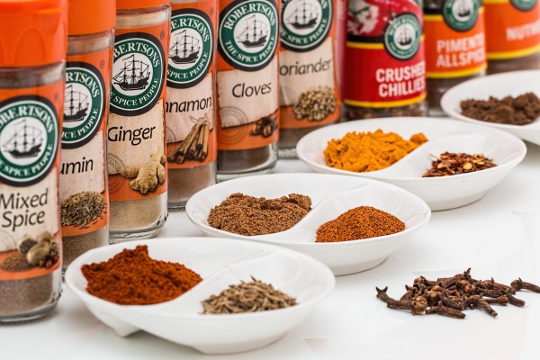 """How to """"Crowd Out"""" Unhealthy Foods and Improve Your Nutrition-spices"""