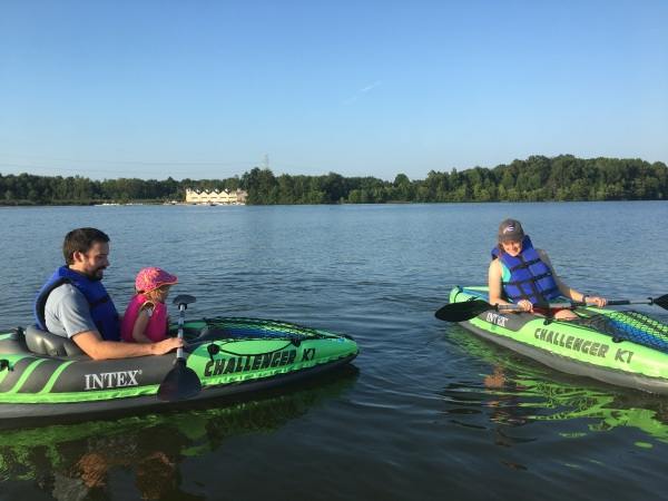 Outdoor Workouts That Don_t Feel Like Exercise-kayak